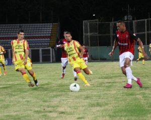 xavier flores le da la victoria al Aragua FC